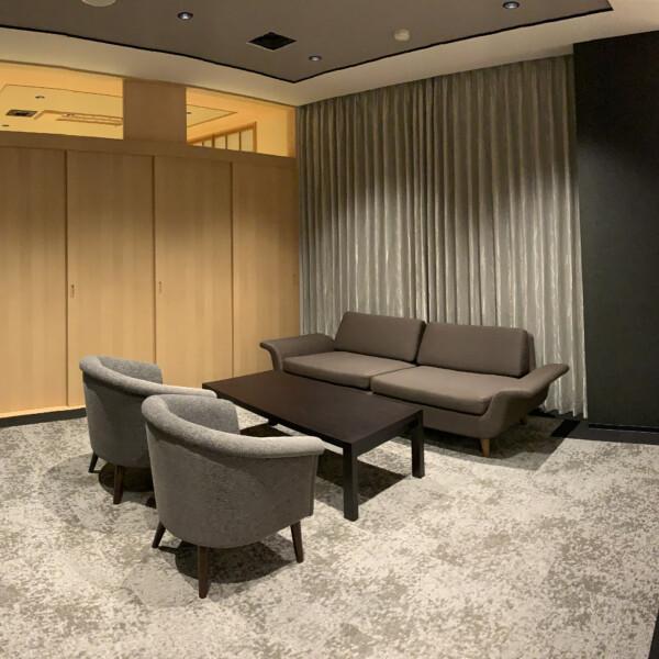 親族控室1-洋室